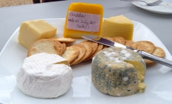 A sample plate of the cheeses we learnt at the workshop.